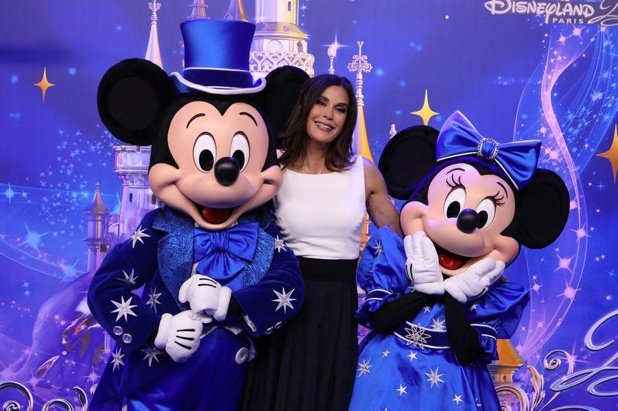 Teri Hatcherà Disneyland Paris.