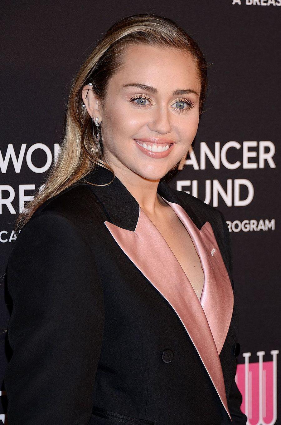 16 - Miley Cyrus.Nombre d'abonnés (en date d'octobre 2020) : 116 millions. Ce qu'elle gagne pour une publication sponsorisée : 593.000 dollars.