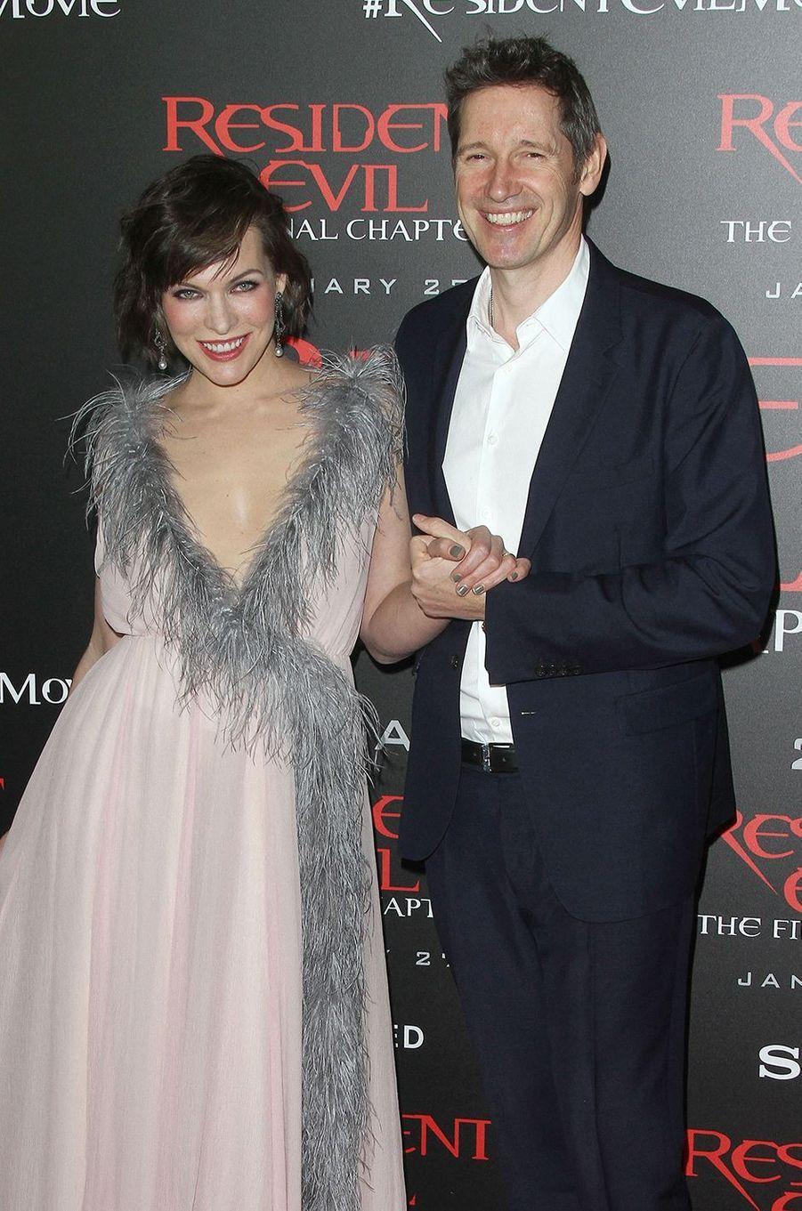 Milla Jovovich et Paul W. S. Anderson sont devenus parents pour la troisième fois en février 2020. Il s'agit d'une fille prénommée Osian.