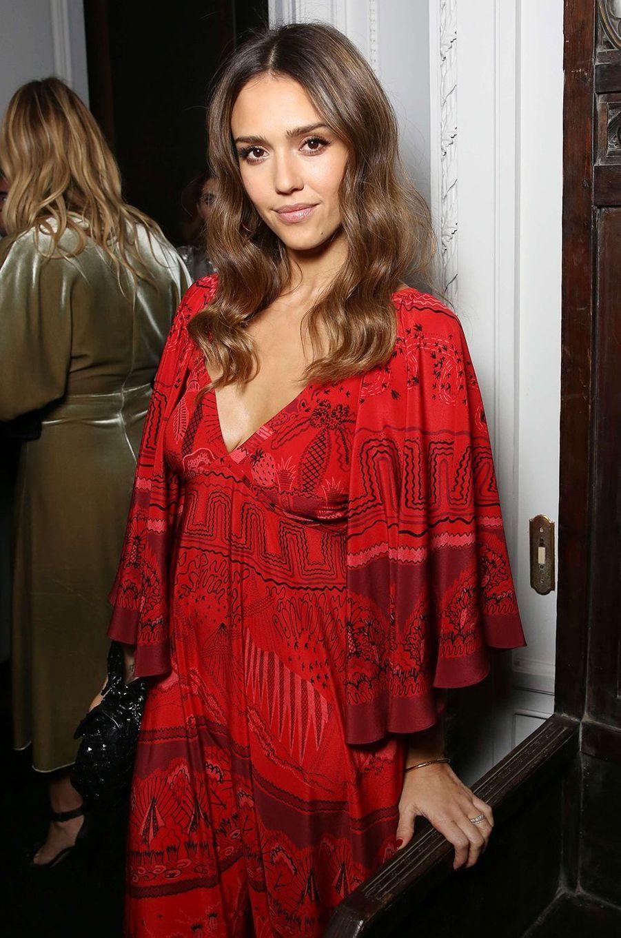 Jessica Alba, l'écolo milliardaire, reine des red carpet !