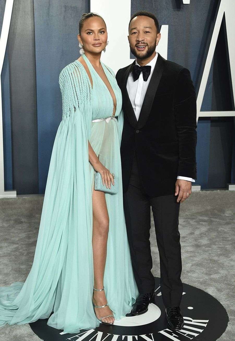 Chrissy Teigen et John Legend à l'after-party des Oscars organisée par «Vanity Fair» à Los Angeles le 9 février 2020