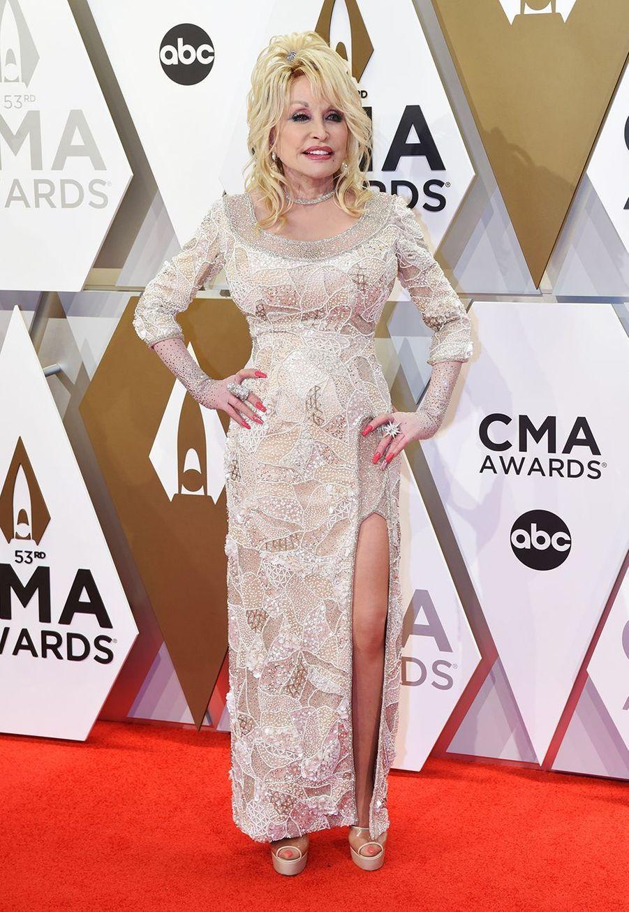 Dolly Partonaux Country Music Awards à Nashville le 13 novembre 2019