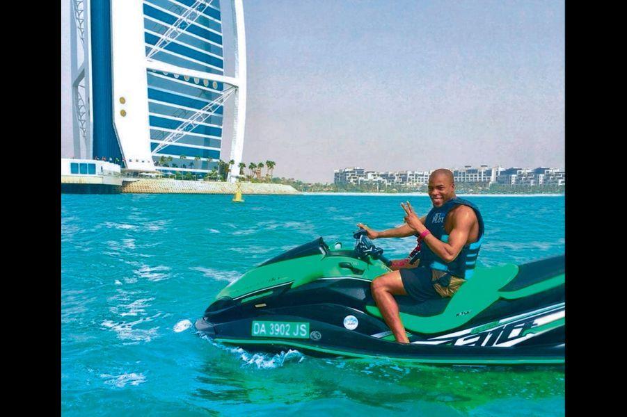 Djibril Sidibé a choisi Dubaï, en solo.