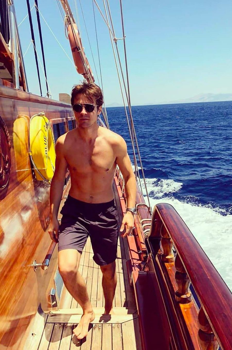 Julien Dereims en vacances avec Anouchka Delon