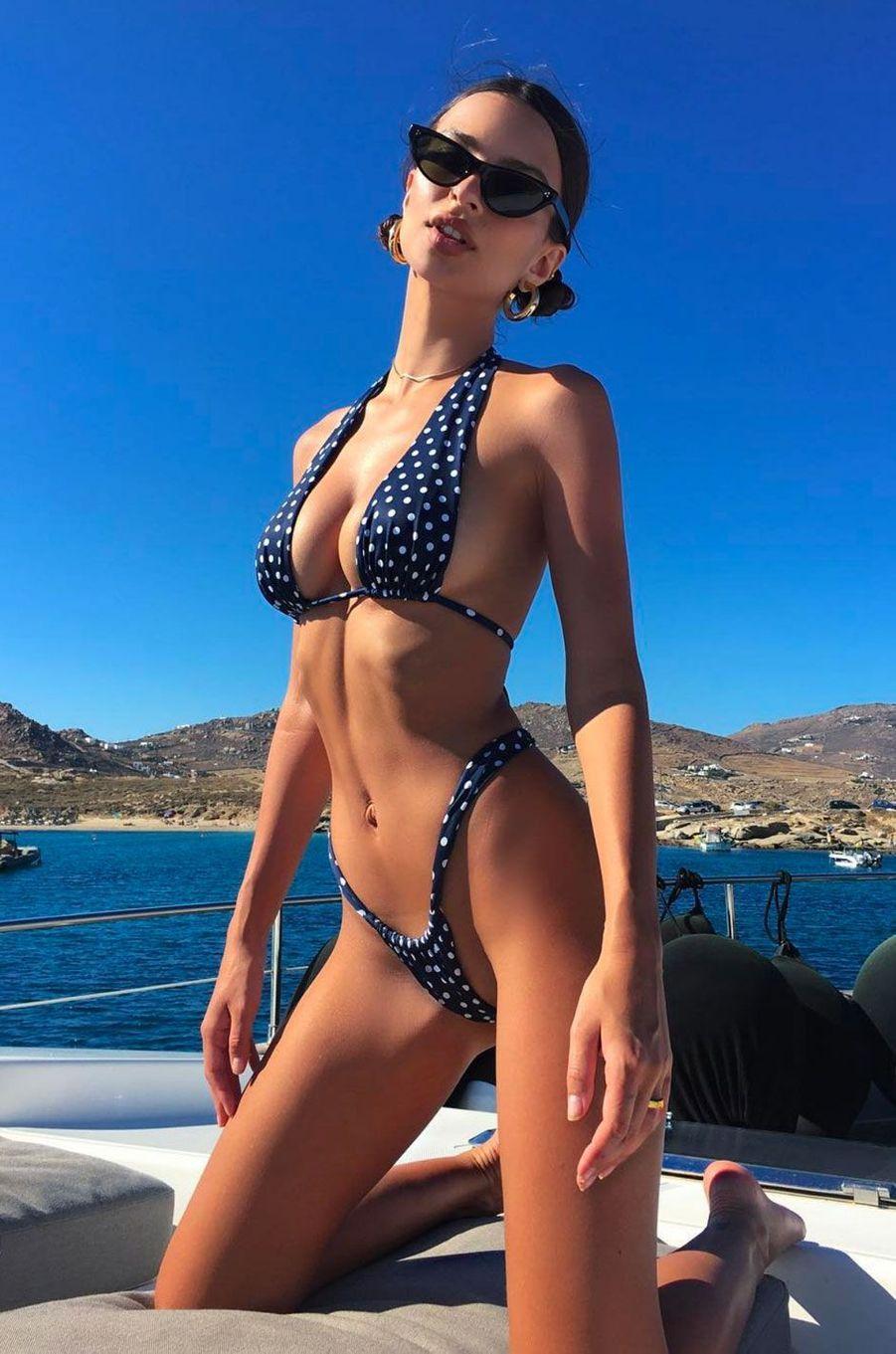 Emily Ratajkowski à Mykonos en juin 2018