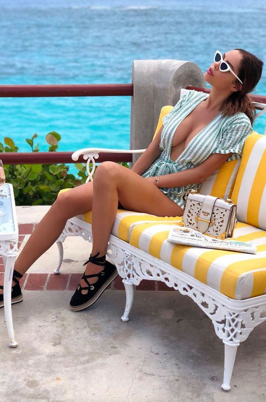 Nabilla aux Bermudes en juillet 2018
