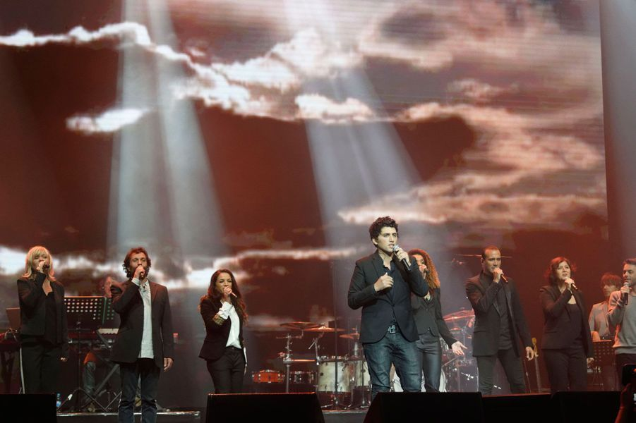 """La troupe des """"Dix Commandements"""" au concert """"Leurs voix pour l'espoir"""""""