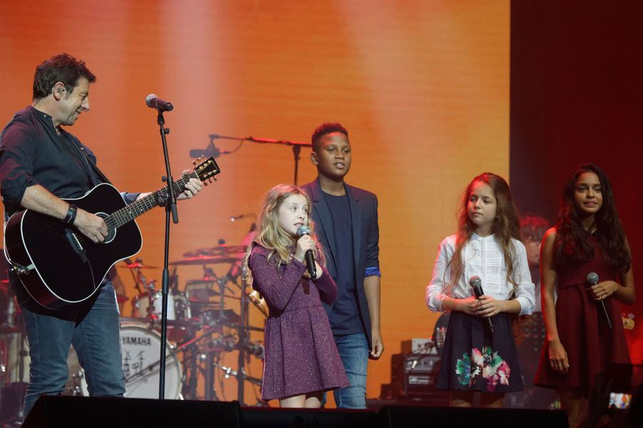 """Patrick Bruel et les Kids United au concert """"Leurs voix pour l'espoir"""""""