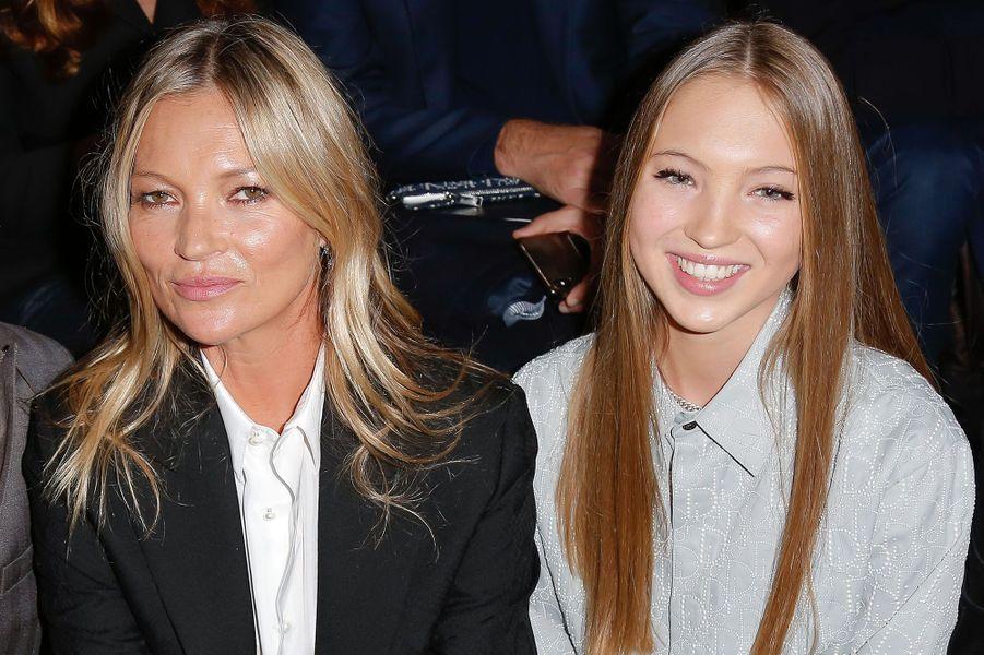 Kate Moss et sa fille Lila Graceau défilé Dior Homme à Paris en janvier 2020