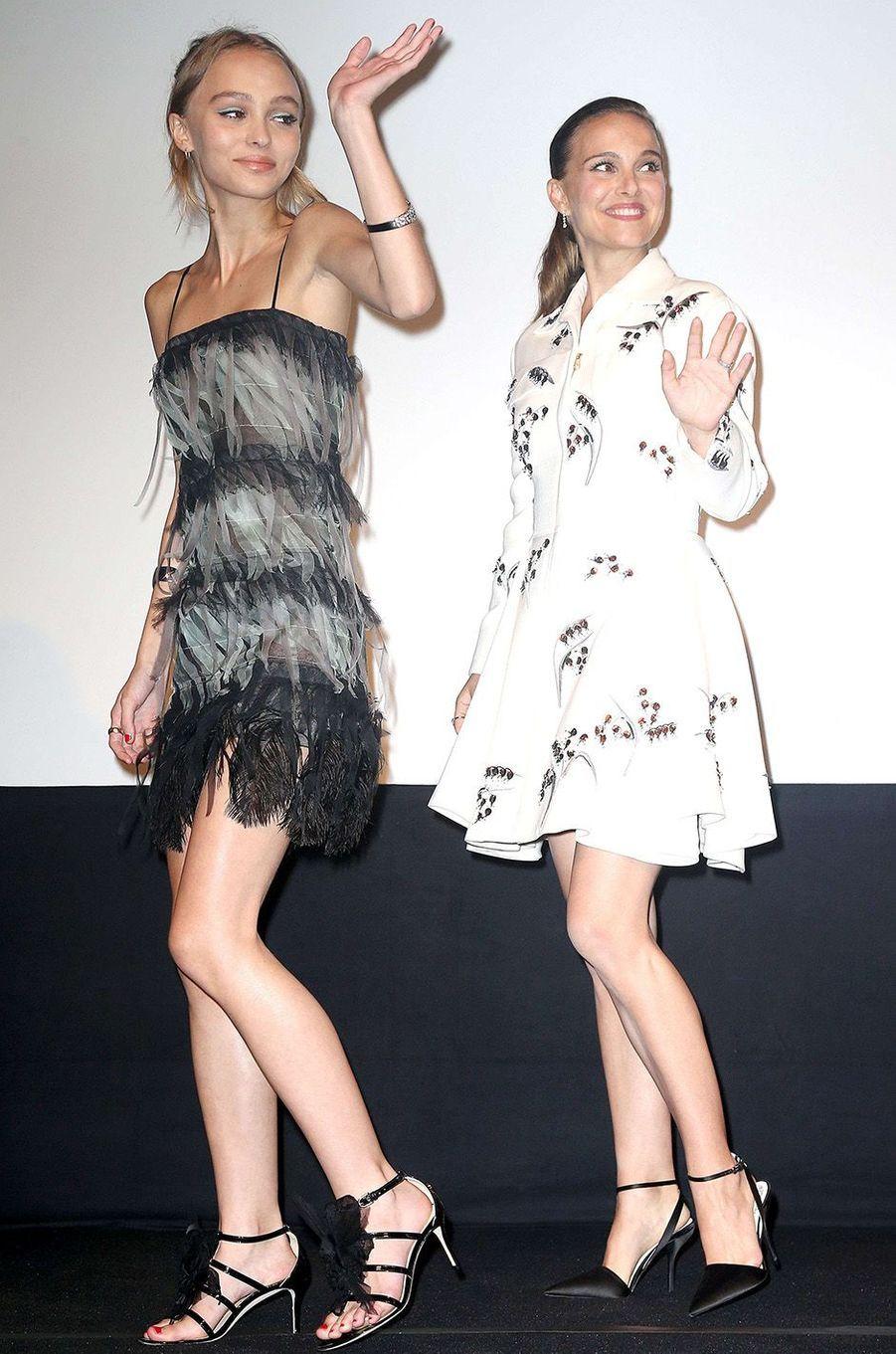 Lily-Rose Depp et Natalie Portman, complices à Toronto