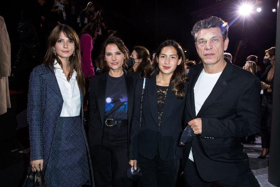 Joséphine Japy, Virginie Ledoyen, Line Papin et Marc Lavoineau défilé Etam à Paris le 29 septembre 2020