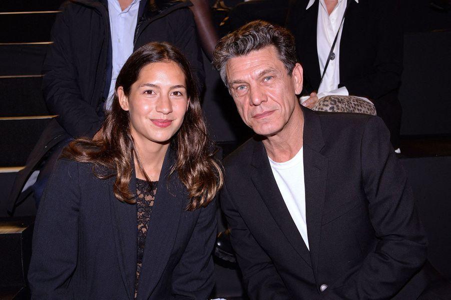 Line Papin et Marc Lavoineau défilé Etam à Paris le 29 septembre 2020