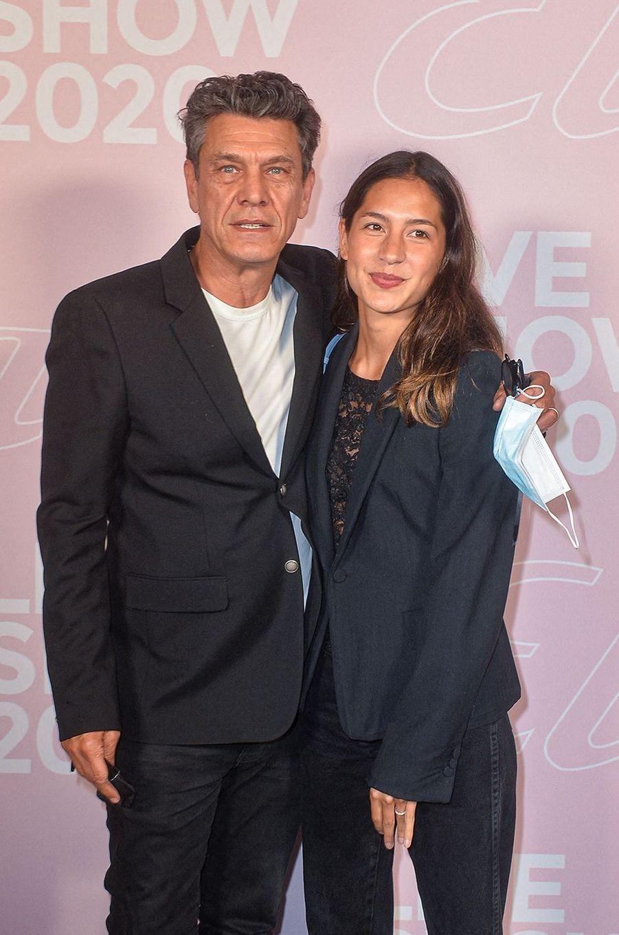 Marc Lavoine et Line Papinau défilé Etam à Paris le 29 septembre 2020