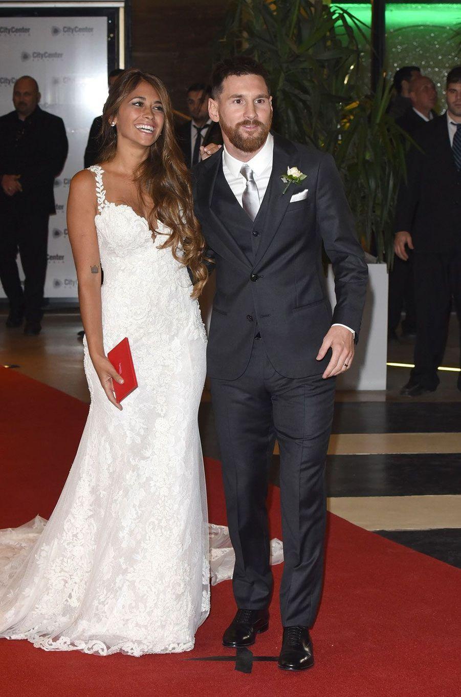 Lionel Messi etAntonella Roccuzzo se sont mariés vendredi en Argentine, à Rosario.