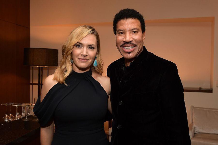 Kate Winslet et Lionel Richie à la soirée des SAG- AFTRA Foundation's Patron of the Artists Awards à Los Angeles, le 9 novembre 2017.