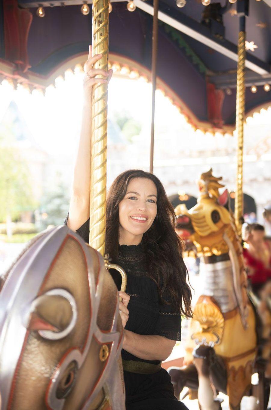Liv Tyler à Disneyland Paris, août 2018