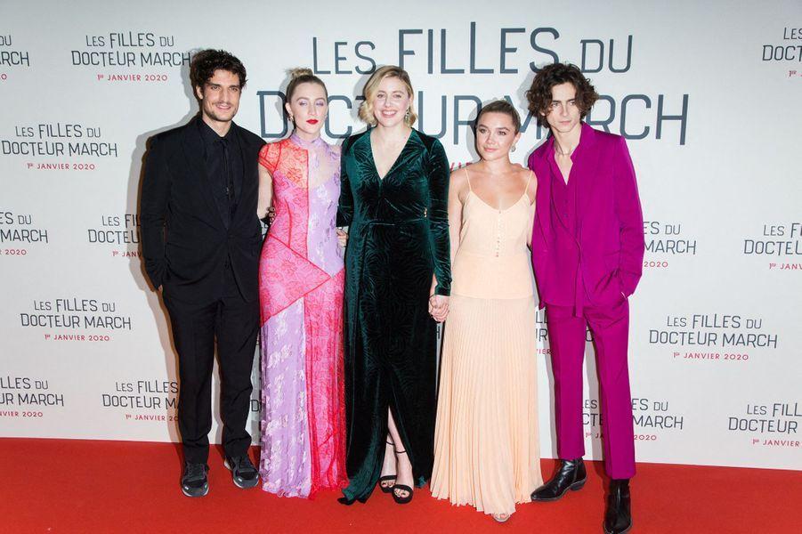 """Louis Garrel, Saoirse Ronan, Greta Gerwig, Florence Pugh et Timothee Chalametlors dela première du film """"Les filles du Docteur March"""" à Paris, le 12 décembre 2019."""