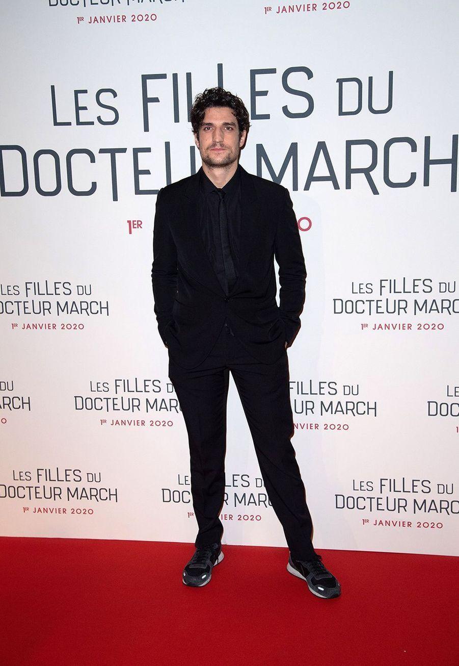 """Louis Garrellors dela première du film """"Les filles du Docteur March"""" à Paris, le 12 décembre 2019."""