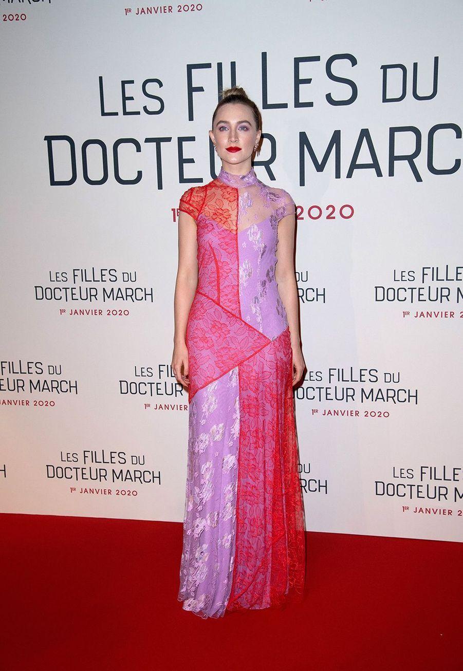 """Saoirse Ronanlors dela première du film """"Les filles du Docteur March"""" à Paris, le 12 décembre 2019."""