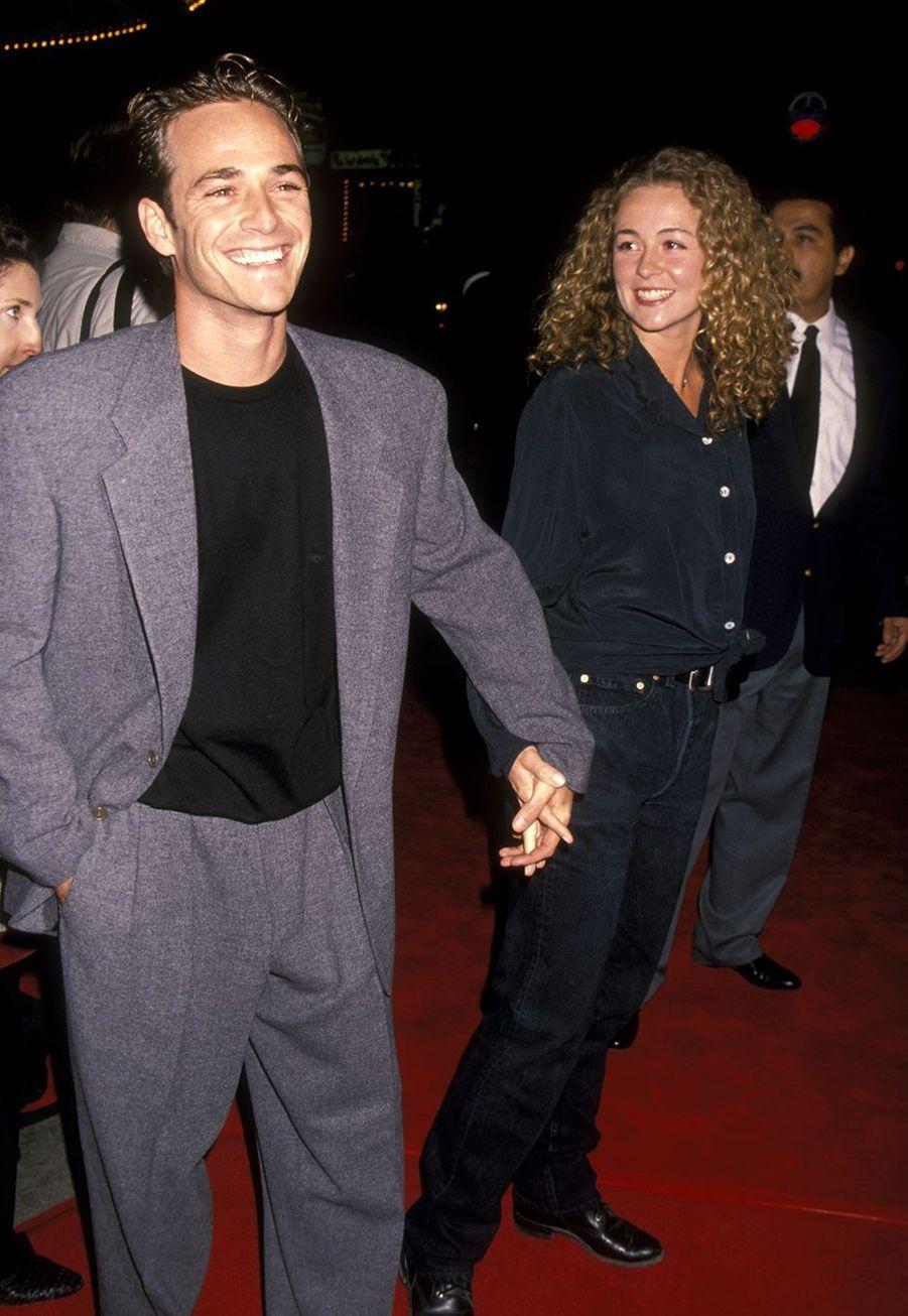 Luke Perry avec son ex-femme et mère de ses enfants Rachel Sharp en 1994