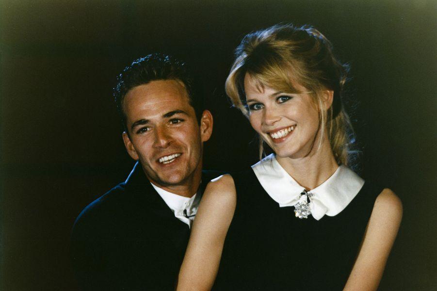 Luke Perry et Claudia Schiffer lors des World Music Awards à Monaco en 1995