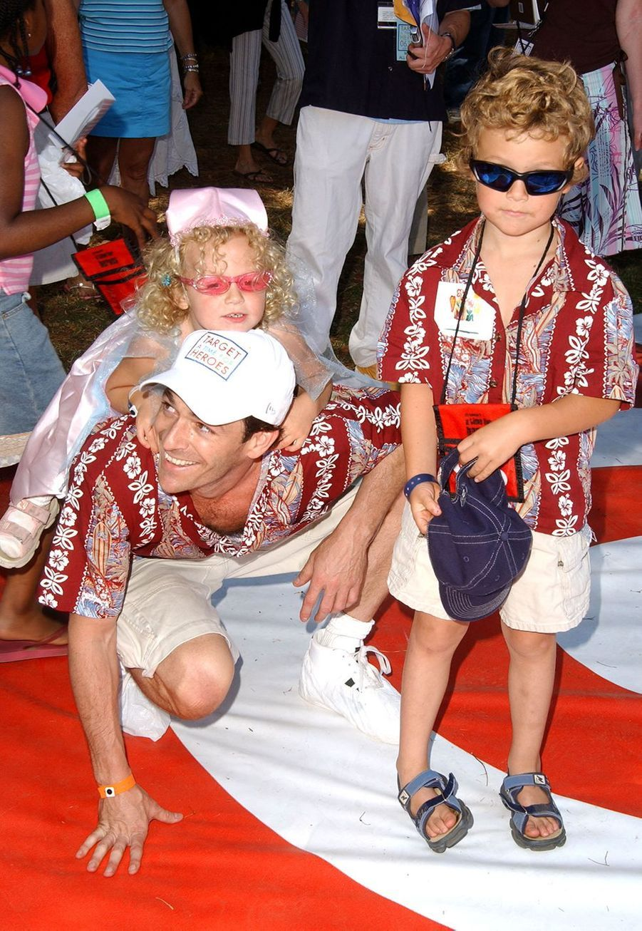 Luke Perry avec ses enfants Jack et Sophie en 2004