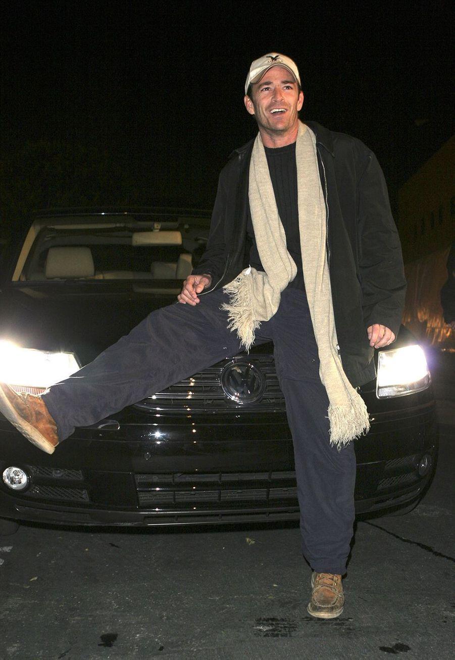 Luke Perry en 2005 lors d'un événementVolkswagen
