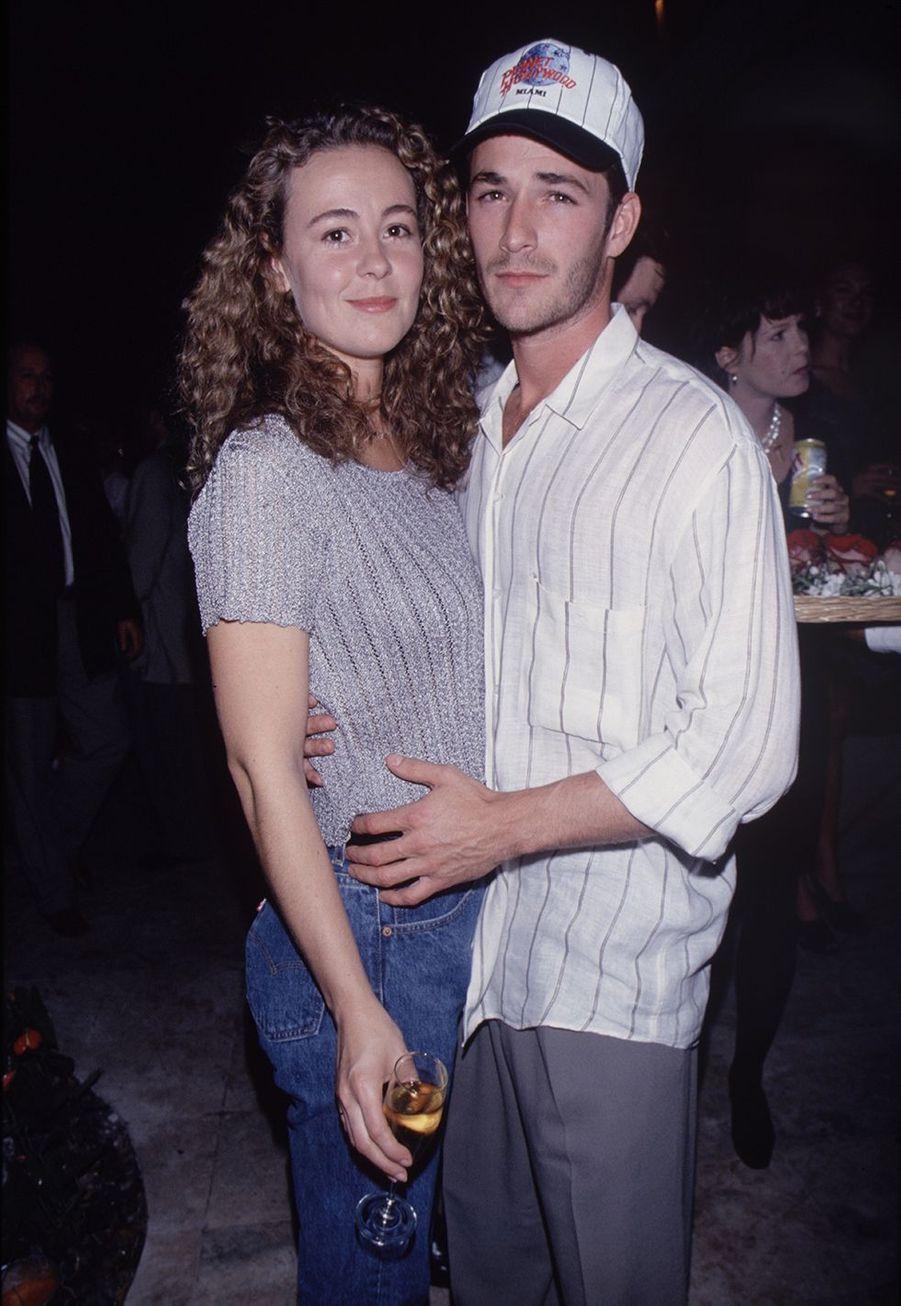 Luke Perry avec son ex-épouse et mère de ses enfants Rachel Sharp dans les années 1990