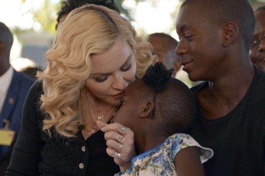 Madonna et ses enfants au Malawi, le 11 juillet 2017.