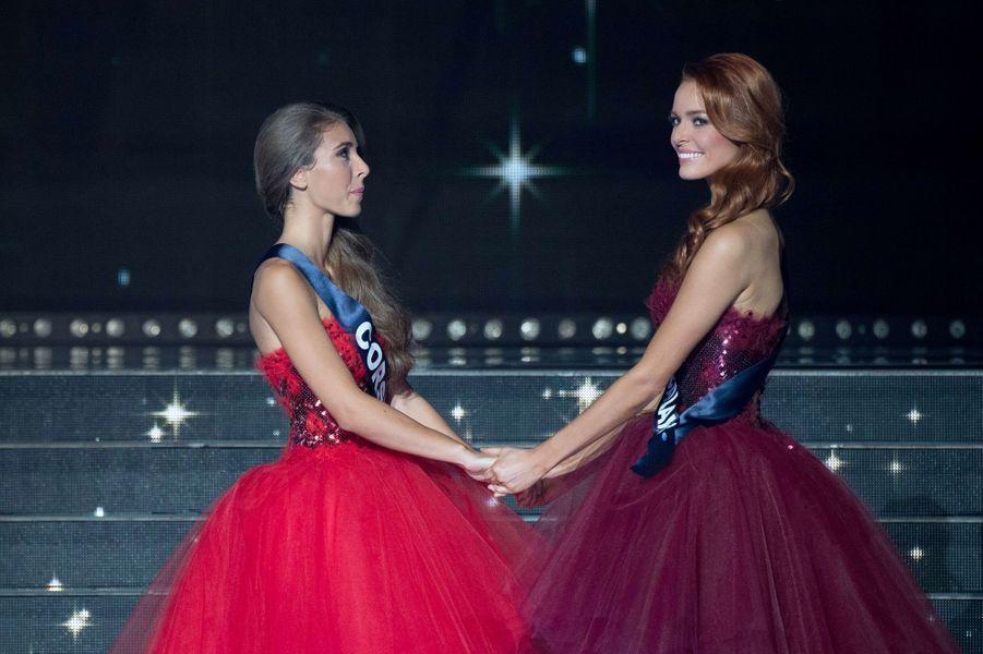 Miss Nord Pas de Calais et Miss Corse attendent le résultat.