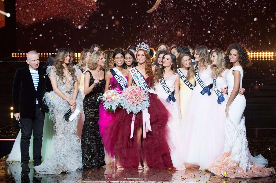 L'heure du couronnement pour Maëva Coucke,Miss Nord-Pas-de-Calais,a été élue Miss France 2018.