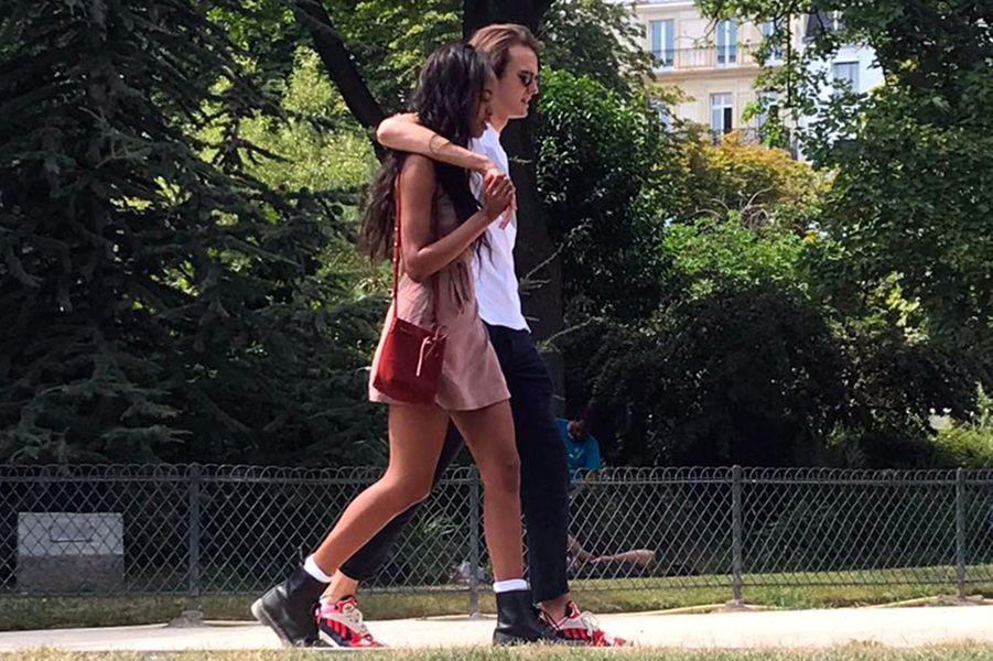 Malia Obama et son petit-ami en vacances à Paris