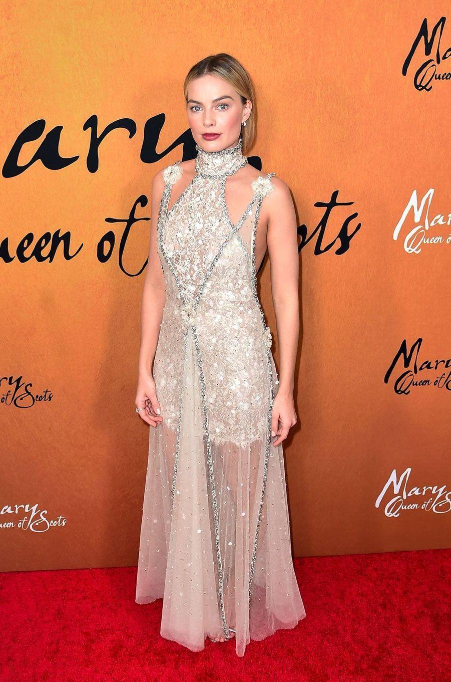"""Margot Robbie à la première de """"Mary Queen of Scots"""""""