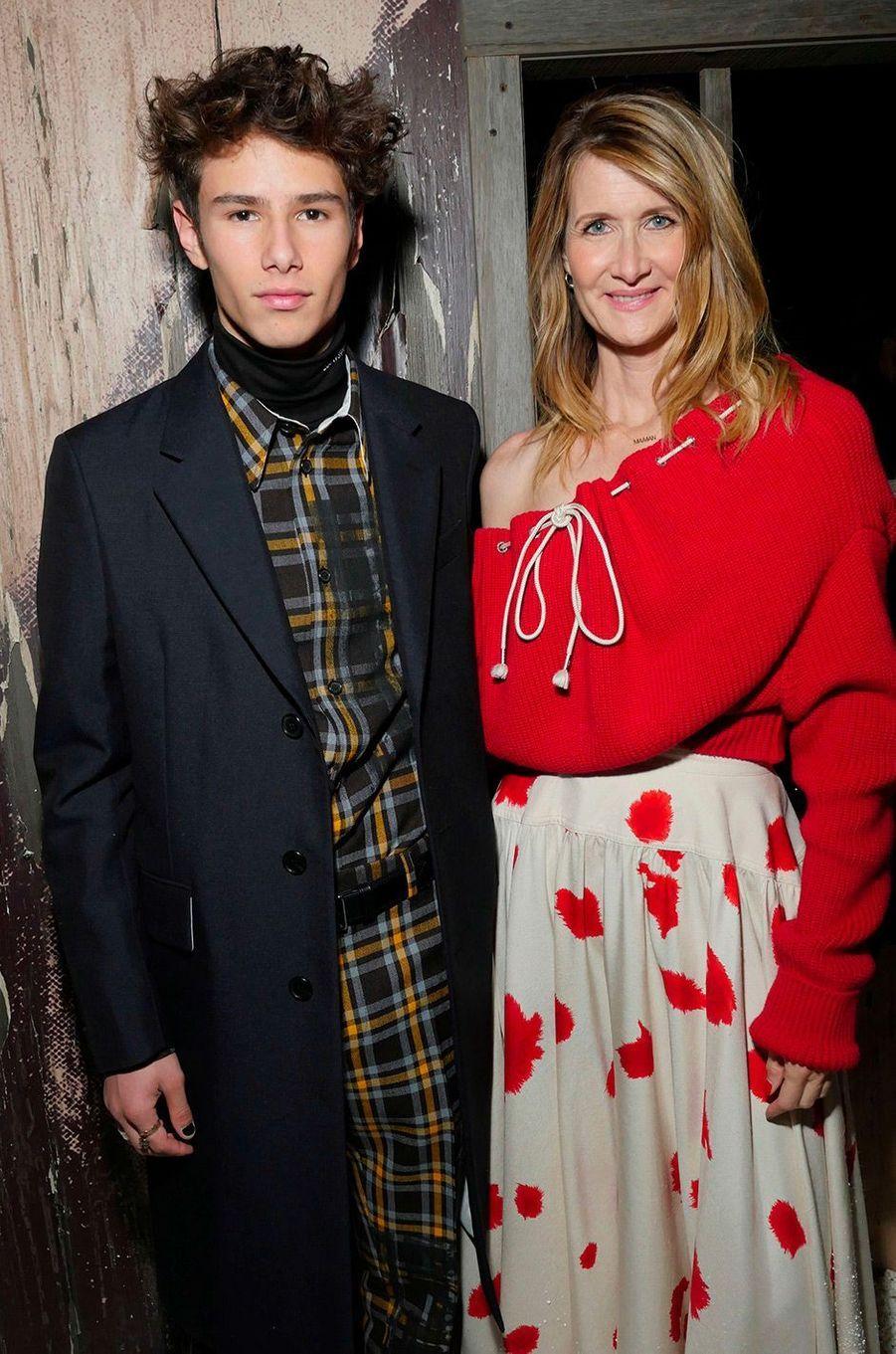 Laura Dern et son fils Ellery Walker Harper au défilé Calvin Klein