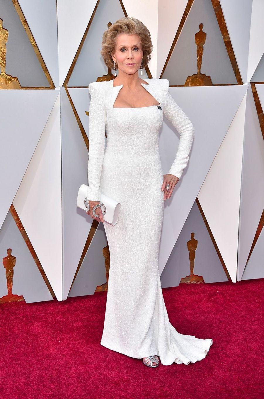 Jane Fonda dans une robe Balmain