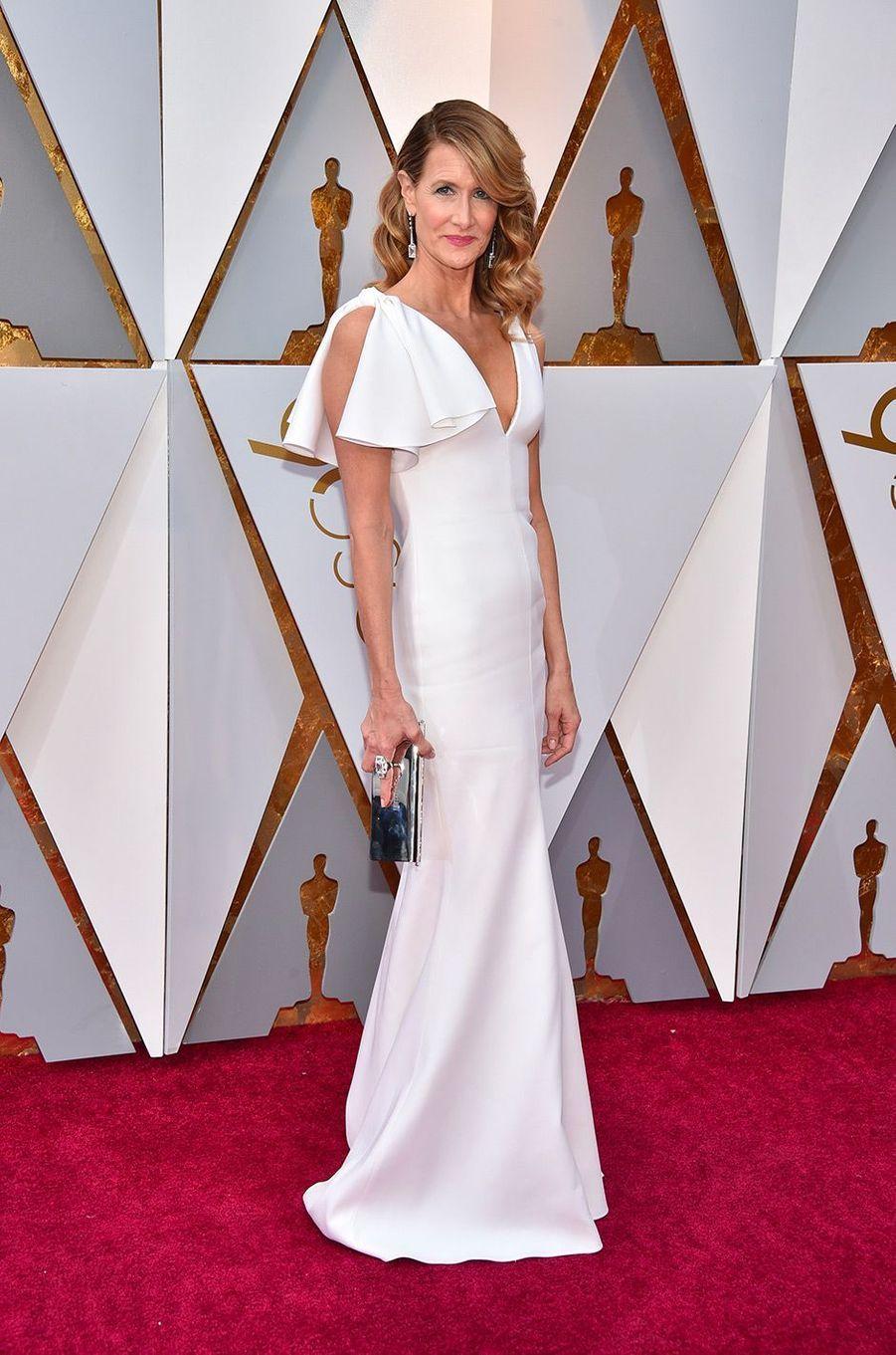 Laura Dern dans une robe Calvin Klein