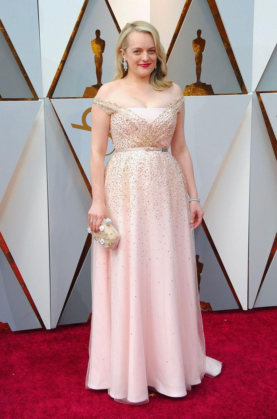 Elisabeth Moss dans une robe Dior