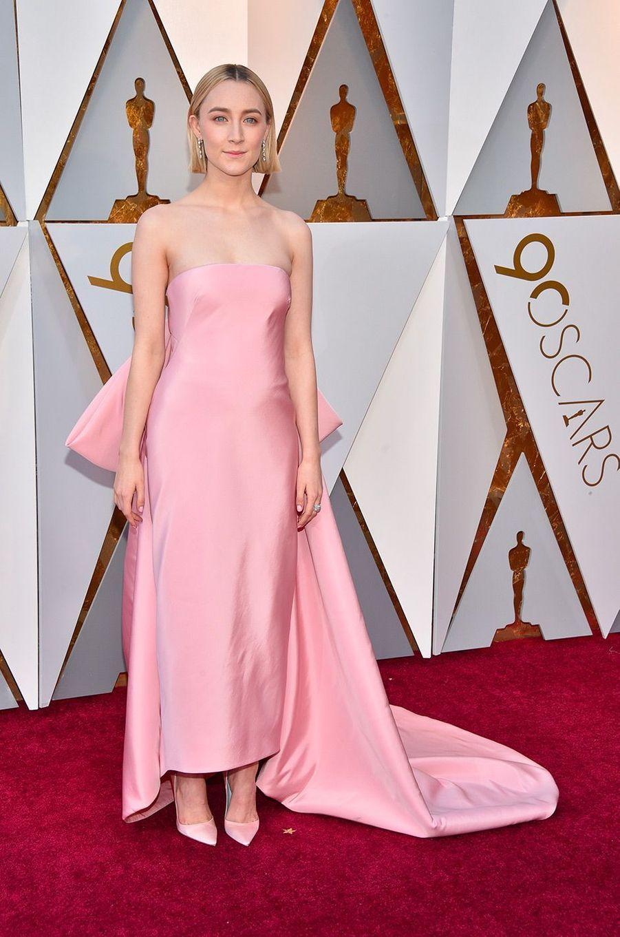 Saoirse Ronan dans une robe Calvin Klein
