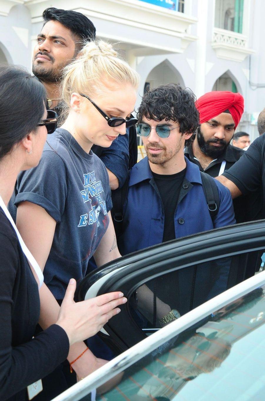 Joe Jonas et Sophie Turner arrivent à Jodhpur