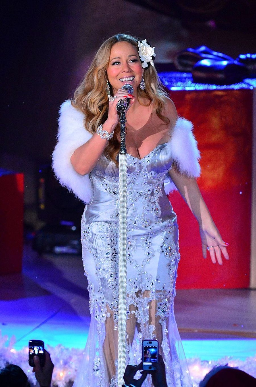 Mariah Carey chante pour NBC à New York le 27 novembre 2012