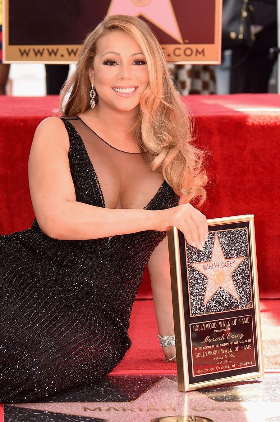 Mariah Carey reçoit son étoile sur le Hollywood Walk of Fame à Los Angeles le 5 août 2015