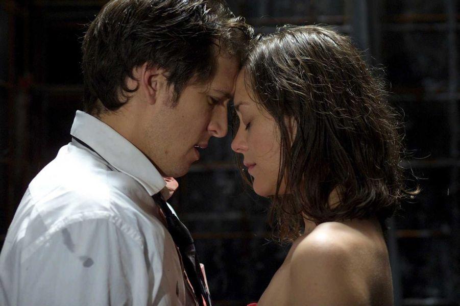 Guillaume Canet et Marion Cotillard dans le film «Jeux d'enfants» réalisé par Yann Samuell et sorti en 2003
