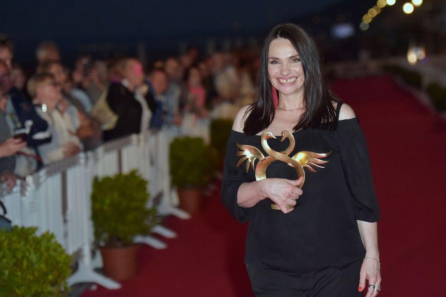 Béatrice Dalle, Swann d'or de la meilleure actrice auFestival de Cabourg 2017.