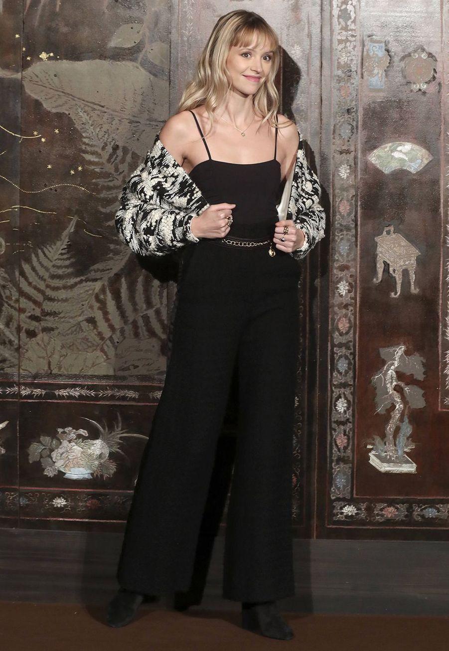Angèlelors du défilé Chanel Métiers d'Art àParis le 4décembre2019.