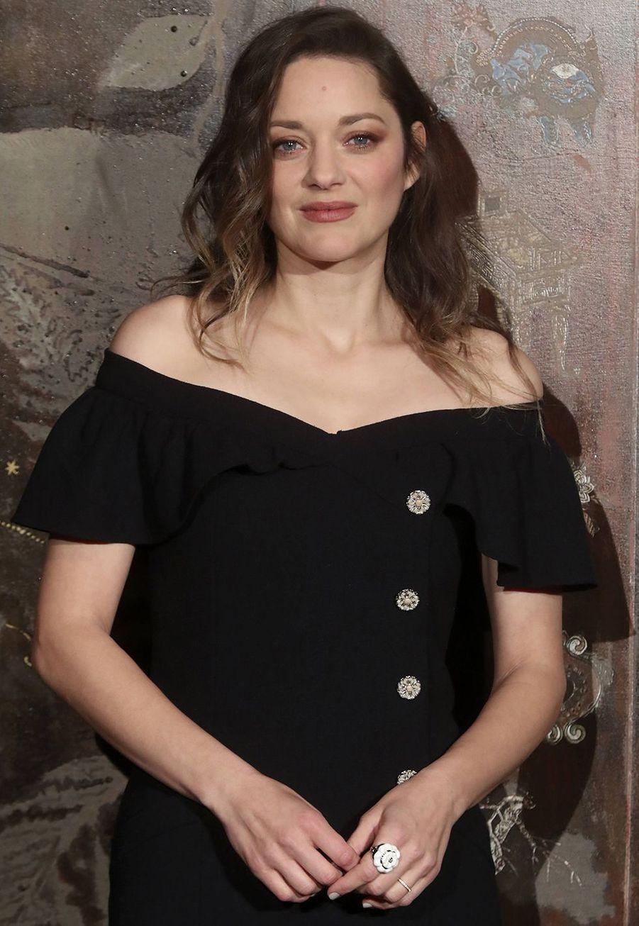 Marion Cotillardlors du défilé Chanel Métiers d'Art àParis le 4décembre2019.