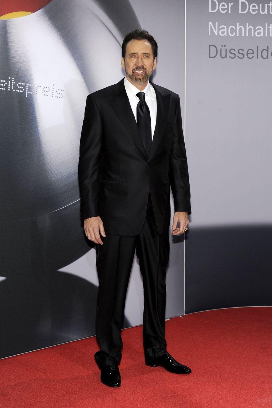 Nicolas Cage a changé son nom d'origineNicolas Kim Coppola. Il est le neveu du réalisateurFrancis Ford Coppola.