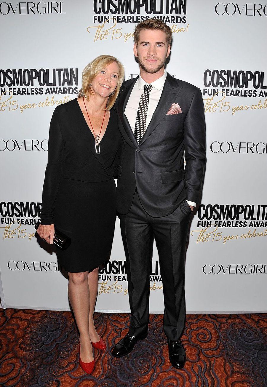 Liam Hemsworth et sa mère Leonie