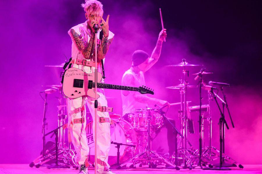 Machine Gun Kellyaux American Music Awards à Los Angeles le 22 novembre 2020
