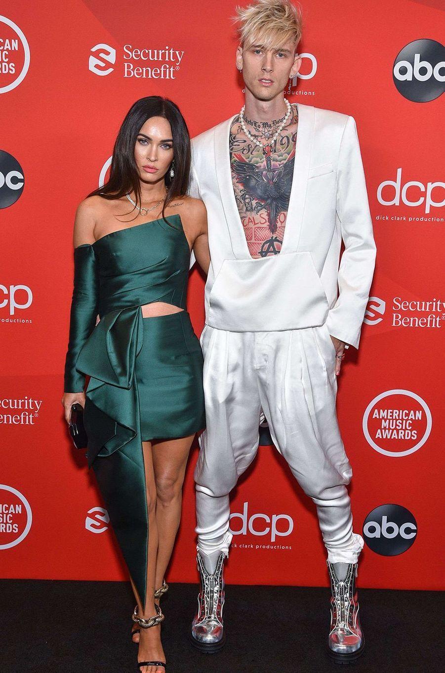 Megan Fox et Machine Gun Kelly aux American Music Awards à Los Angeles le 22 novembre 2020