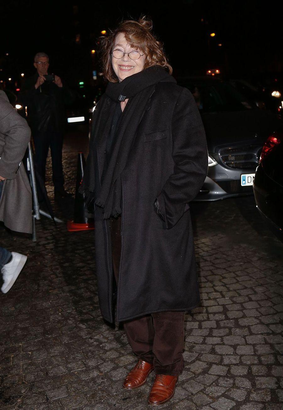 Jane Birkinarrive audéfilé prêt-à-porter automne-hiver 2020/2021 de Celine à Paris le 28 février 2020.